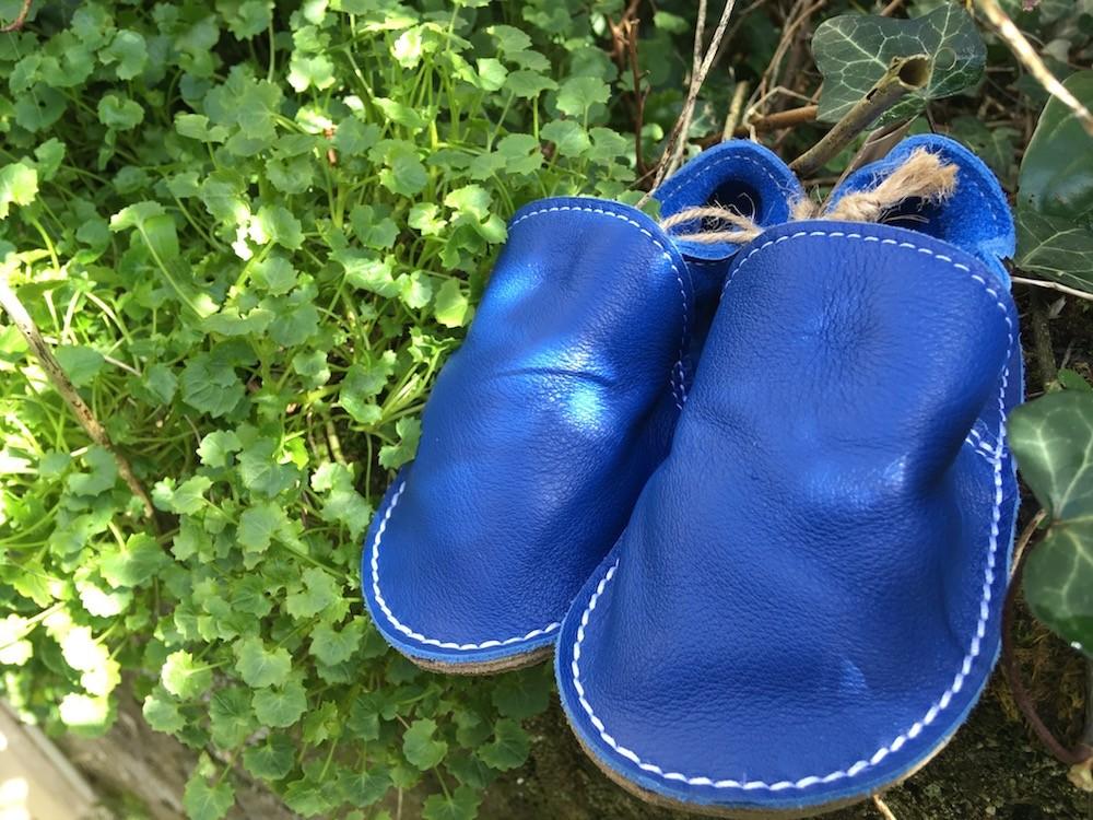 """Chaussure en cuir souple : le test des """"p'tites gommes""""."""