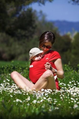 Avantages et bienfaits du portage ou comment bien choisir son porte-bébé.