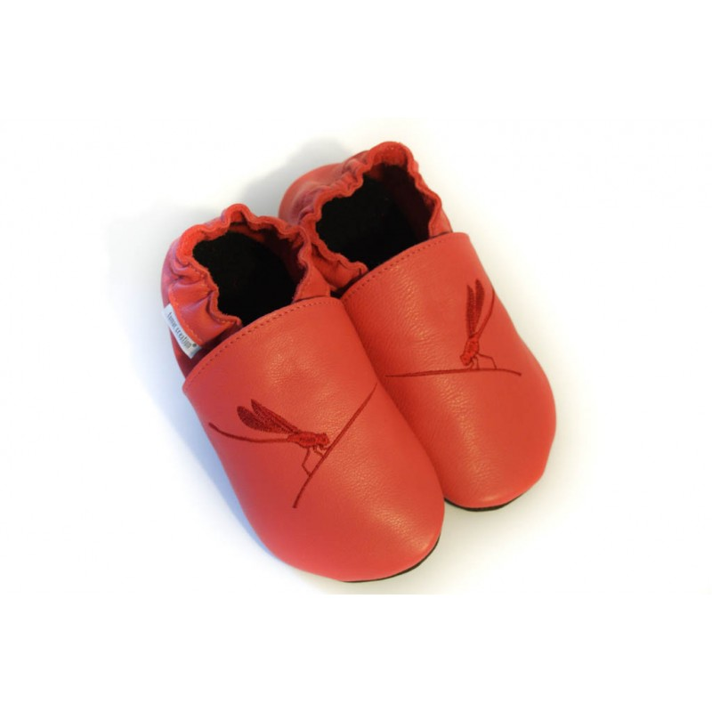 Chaussons cuir FOURRES adulte Libellule fond rouge