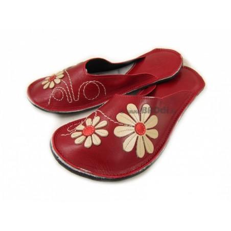 Chaussons cuir adulte Fleurs fond rouge