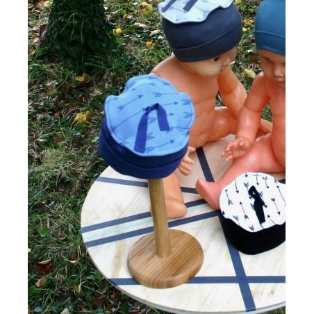 Bonnet bébé en bambou Fleche fond bleu Entre Cha et Ra