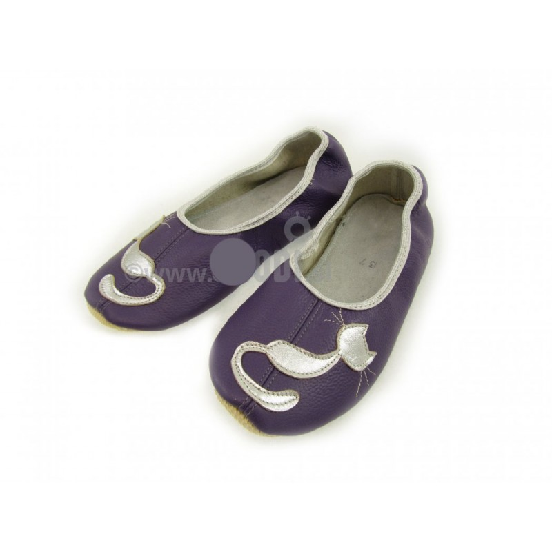 Chaussons cuir antidérapant chat fond violet