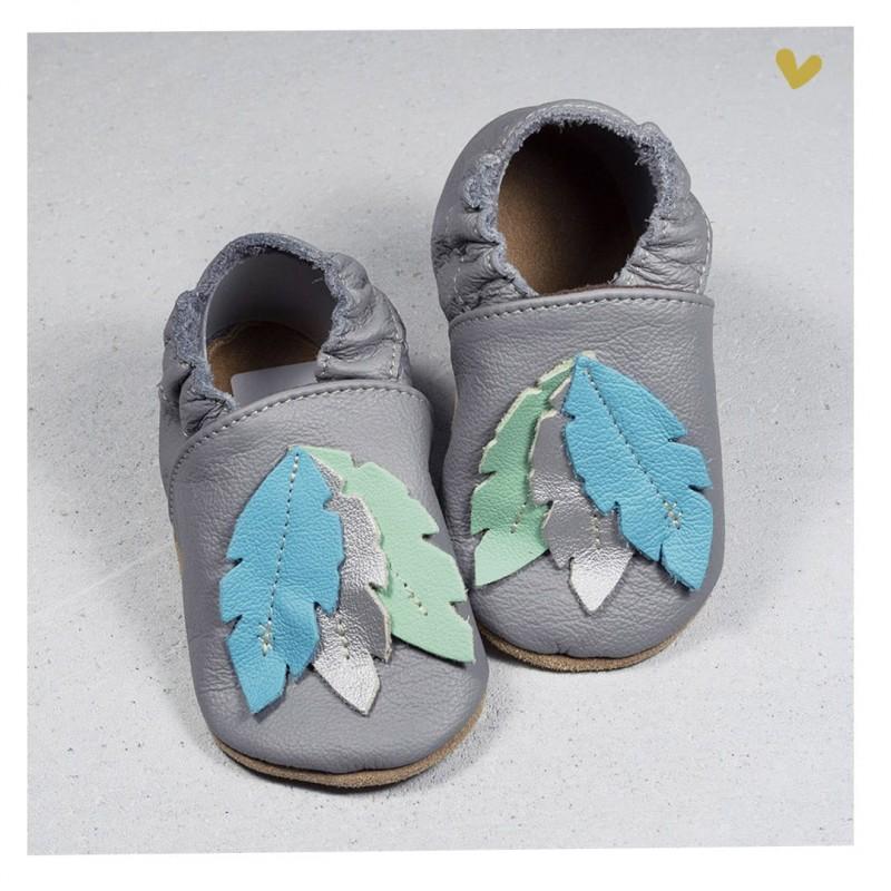 Chaussons cuir souple Plume fond gris