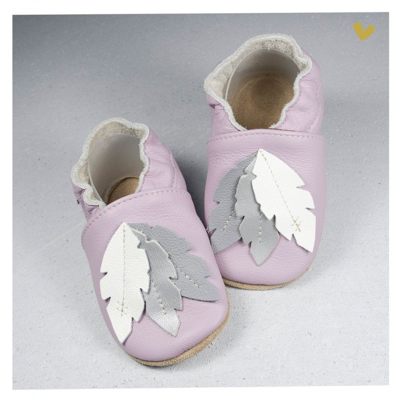 Chaussons cuir souple Plume fond rose