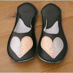 Chaussons cuir adulte Coeur fond noir